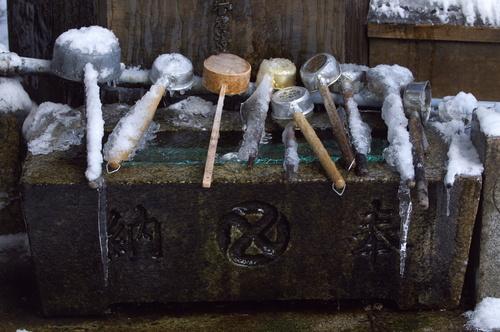 凍る柄杓.jpg